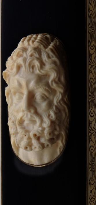 портрет Геракла, художественная резьба по кости