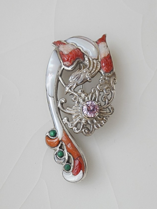 jewellery brooche